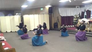 Divine Touch Ministries Praise Dance--It's Working (This Is My Season)