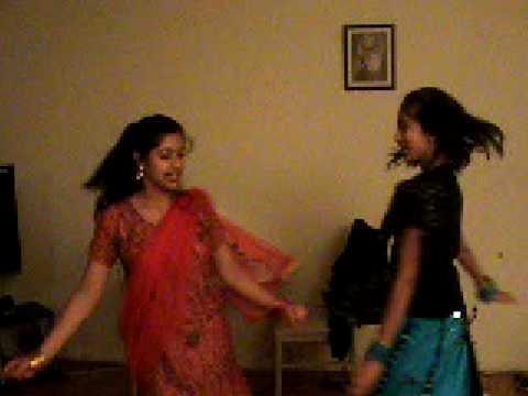 kabul girls dance. Punjabi girls dancing