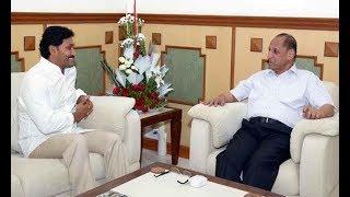 YS Jagan Meets Governor Narasimhan : Submitted a Memorandum of YSRCP Resolution | TV5