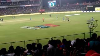 Virat Kohli entry in kotla ground vs new Zealand's macth