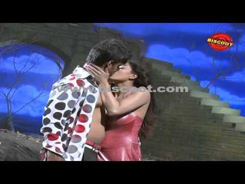 Veena Malik's Lip lock scene leaked I Dirty Picture  | Making of Kannada Movie Silk Sakkath Maga