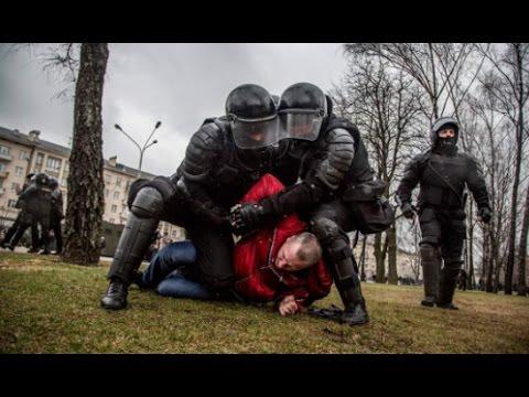 В Беларуси отмечают День воли - Разгон активистов и массовые задержания