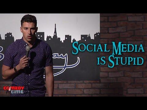 media stand up komedi indonesia