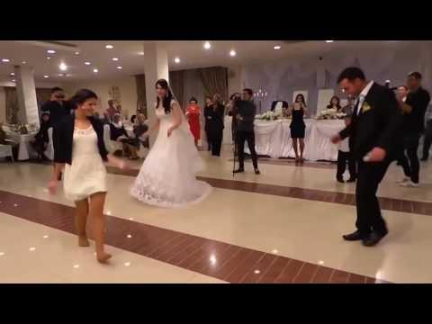 Вот как надо танцевать лезгинку