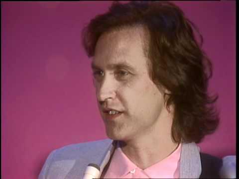 Dick Clark Interviews Dave Davies - American Bandstand 1983