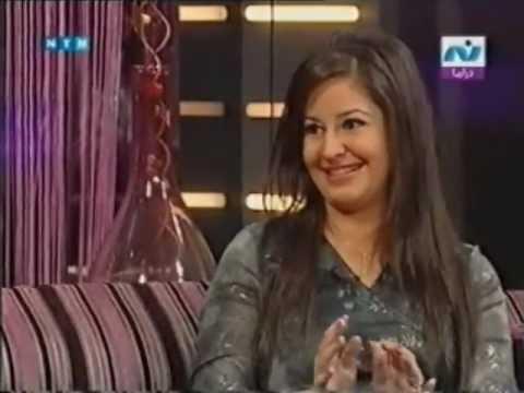 صورة هديل صاحبة دور بلية مع فيلم عمرو دياب