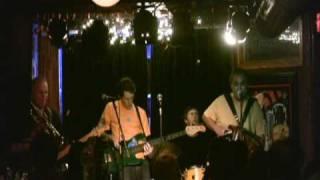 Watch Iguanas Bennys Cadillac video
