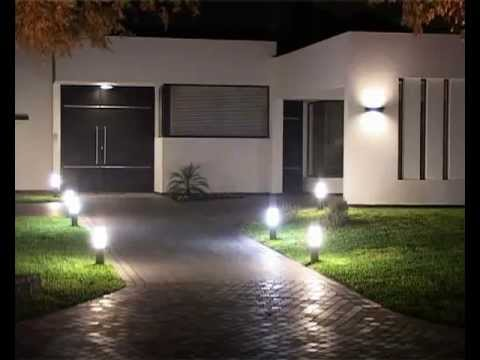 Consejos para iluminar el jard n youtube for Luces led jardin