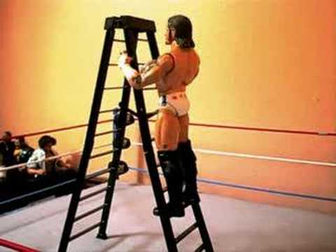 SCW:Triple threat Ladder match