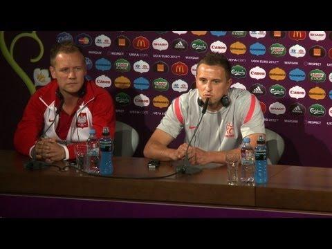 Politics off menu for Poland as Russia match looms