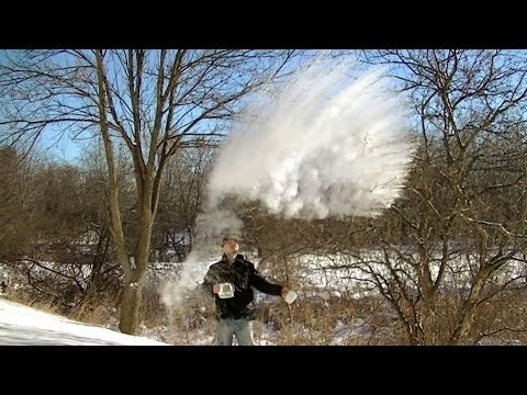 Watch as the polar vortex instantly turns boiling water to SNOW DEEP FREEZE: -63° Minnesota