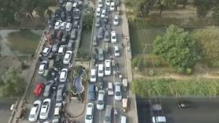 Lahore Girl on Road, Traffic Jam to Watch