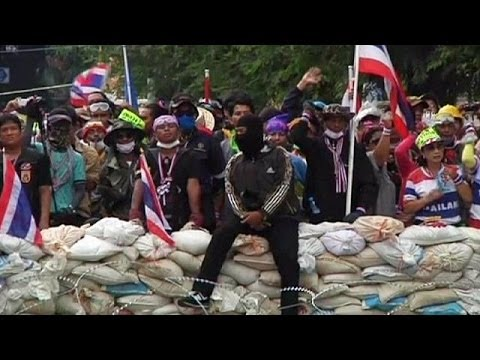 Thai demonstrators detained during police operation to clear protest sites