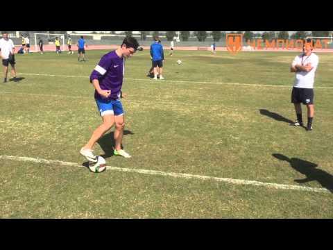 5 упражнений на технику владения мячом. Работа внешней стороной стопы | Чемпионат