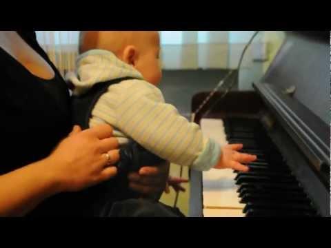Szymuś 5 Mies Gra Na Pianinie