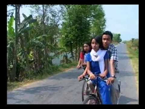 Malai D Nwng, Kokborok Song video