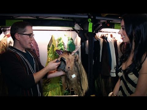 WICKED Exclusive Backstage Tour at the Pantages - QUIET ON THE SET
