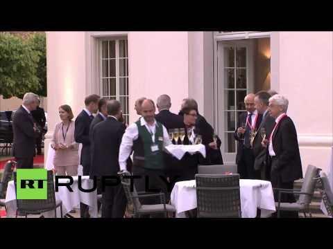 Germany: G7 finance ministers enjoy champagne in Dresden