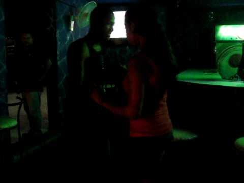 Ana Bailando Bachata :D - RD, Santiago 09. Video
