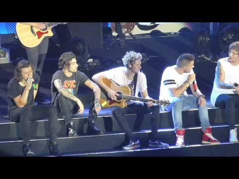 Xiii. One Direction Little Things, Otra Bangkok video
