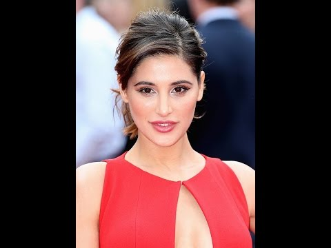 Nargis Fakhri looks stunning At Hollywood Premiere of Spy in London thumbnail