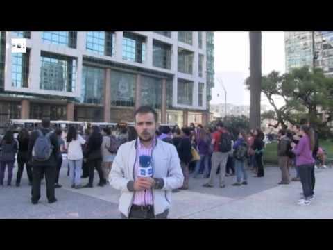 Feministas uruguayas exigen con ruido medidas contra la violencia machista