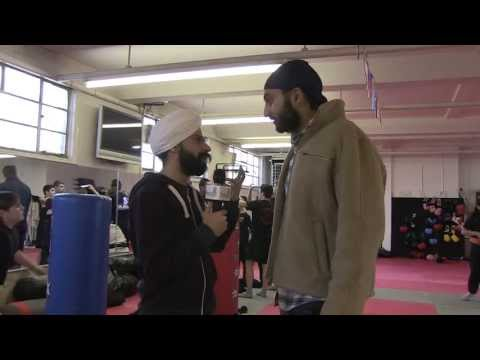 Monty Panesar at Del's Fitness Centre, Gravesend