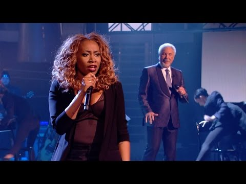 Sir Tom Jones and Sasha Simone perform Chain of Fools - The Voice UK 2015: The Live Final - BBC