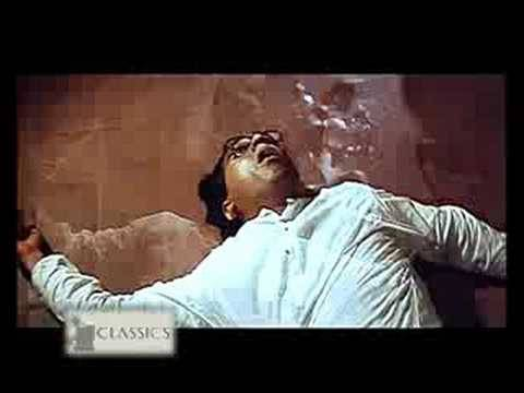 Kamal Hassan Saves A Girl  -  Hey Ram video