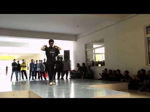 Awesome Dance Performance Beating Dharmesh Sir, Cockroach video