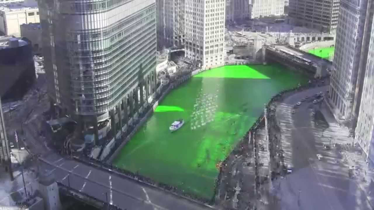 2014 Dyeing The Chicago River Green For St Patricks Day