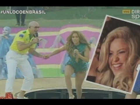 La Noche Es Mía: Shakira 'rajó' de la inauguración con JLo y Pitbull