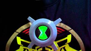 BEN 10 Ultimate Alien - Ultimate Chest Badge