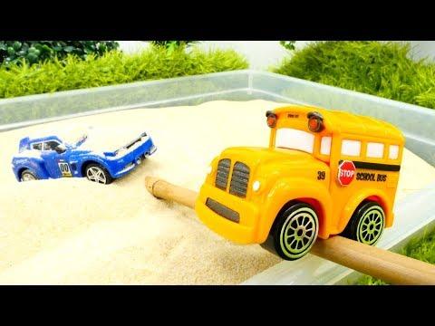 Развивающие мультфильмы - Песочница - Машинки Басси и Спиди