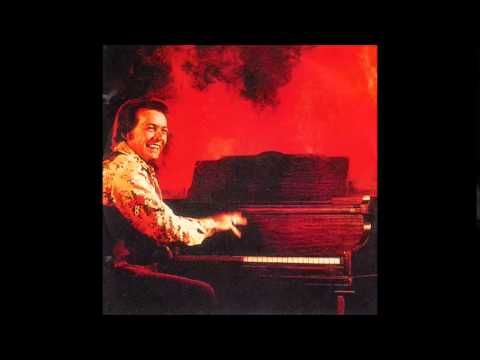Mickey Gilley - Everything Turned To Love