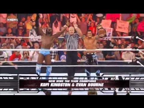 Kofi Kingston Evan Bourne Win Tag Team Les