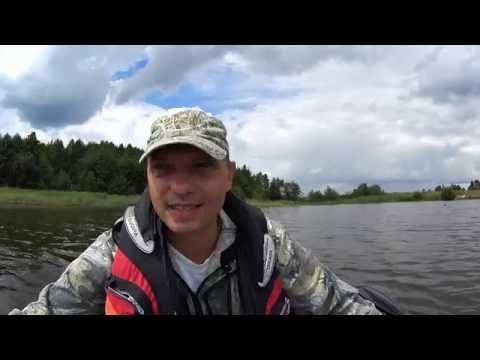 щука на джиг на озере с лодки