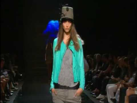 Diesel Black Gold  S/S 2009 - youtube