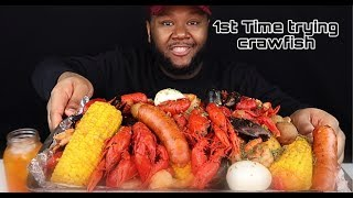 Seafood Boil Mukbang - CRAWFISH, MUSSELS | 1st Time trying