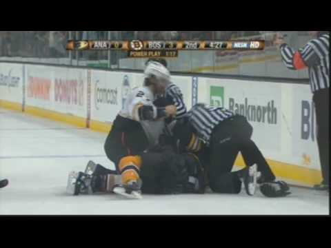 Scott Niedermayer vs Marc Savard Roughings Feb 26, 2009 Video