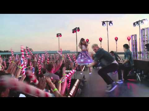 Macy´s Fourth of July Fireworks Spectacular: Ariana Grande Behind the Scenes