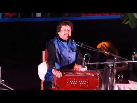 Pankaj Udhas: Na Kajre Ki Dhaar video
