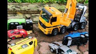 Xe Cứu Hộ Giải Cứu Ô tô bị Mắc Kẹt | Những Tình Huống Vui nhộn Cho Ô tô đồ chơi | King Toys