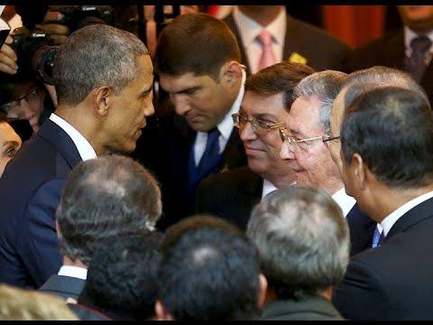 Histórico apretón de manos de Raúl Castro y Obama en la Cumbre de las Américas