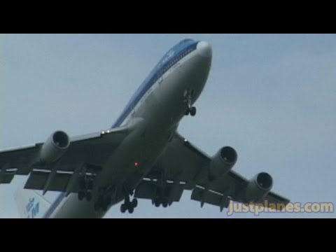 KLM 747 not ready to land yet ;)