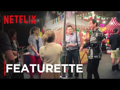 Everyone knows Arrested Development is back, but not everyone knows that a select few lucky fans won walk-on roles in the new season. And now the story of some walk-ons...  All episodes of Arrested Development now streaming, only on Netflix: http://nflx.it/124w7xA