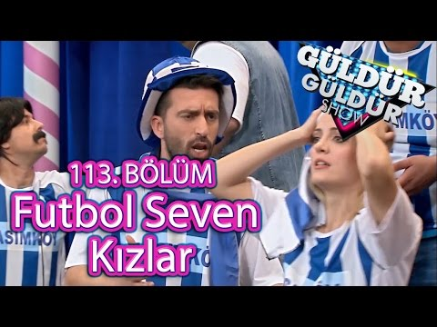 Güldür Güldür Show 113. Bölüm, Futbol Seven Kız Skeci