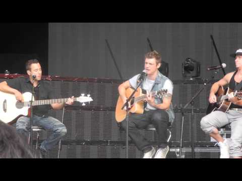 Backstreet Boys - Safest Place To Hide & 10.000 Promises - Soundcheck Jones Beach 8/13/13