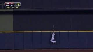 Gomez ends the game with an UNBELIEVABLE catch at the wall