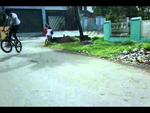 Bmx Makassar ( Omenk street  )